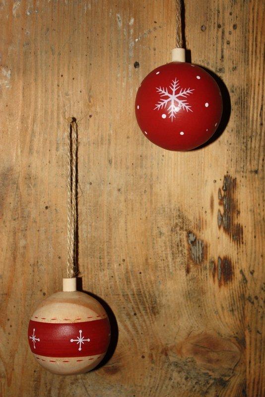 Suspension de noël – Ma boule rouge de Noël en bois